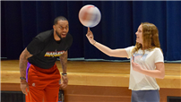 Harlem Wizards player slam dunks on PRIDE  thumbnail162175